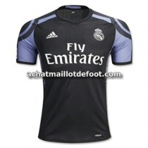 tenue de foot Real Madrid 2017